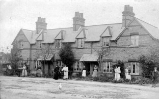 Photo of Palmers Row taken circa 1910