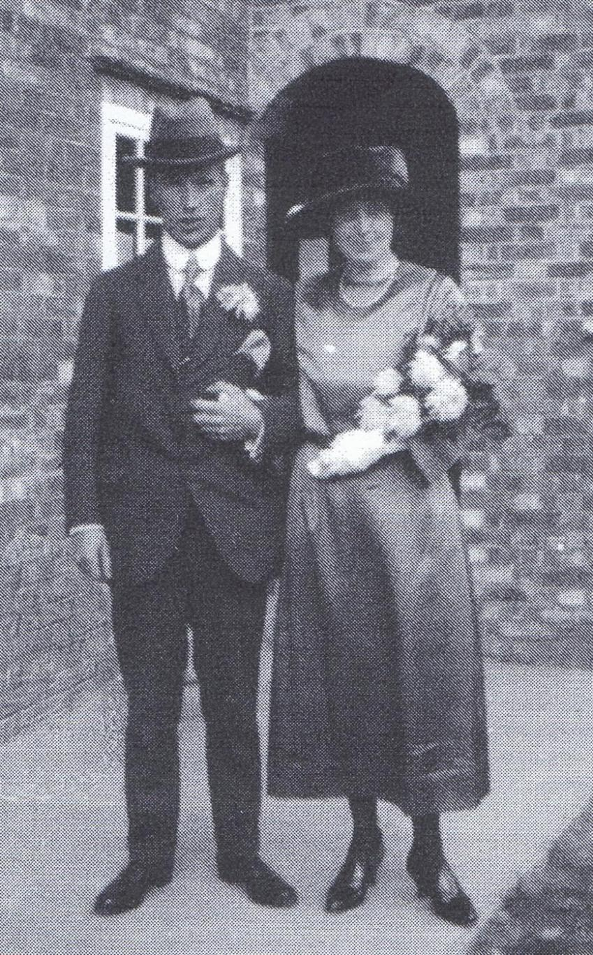 John Handscombe married Fanny Sheppard at St marys Church Pirton 1922