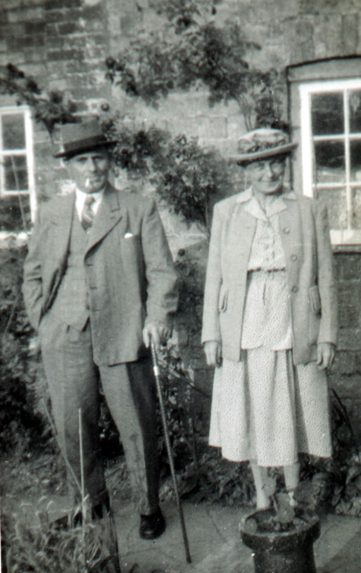"""Fred """"Ted"""" Titmuss and his wife Ruth in later years."""