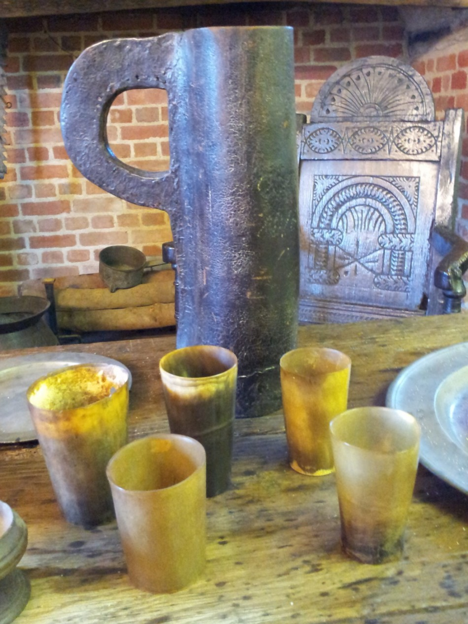 Horn beakers and leather jug.