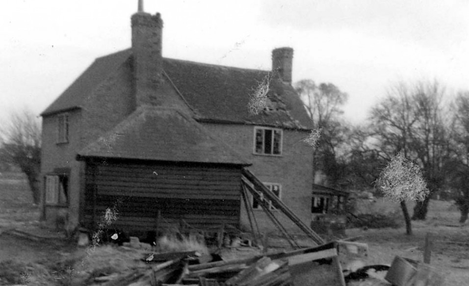 Wrights Farm in 1964 before it was demolished